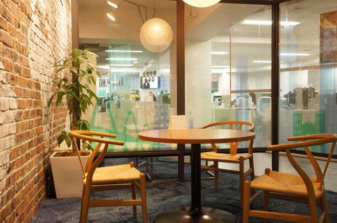 フロンティアコンサルティング社内のMTGスペース